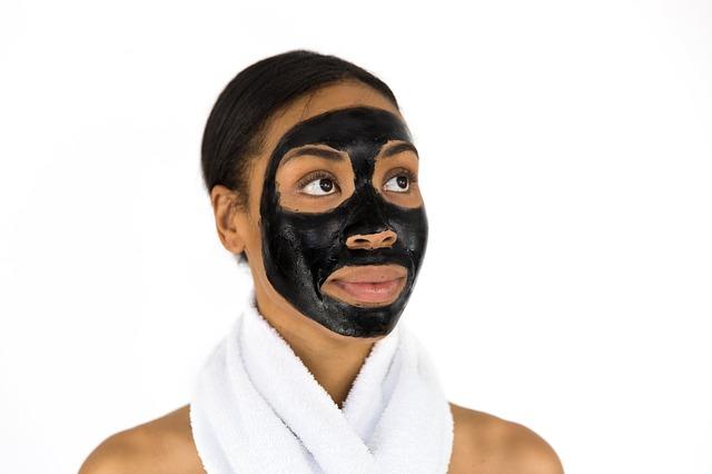 černá obličejová maska
